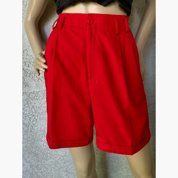 Vintage Pants - VINTAGE | High waisted pleated front longer shorts